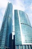商务中心特大的城市摩天大楼 免版税库存图片