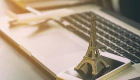 商务旅游旅行机构向巴黎 免版税库存图片