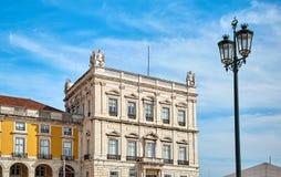 商务正方形,其中一个主要地标在里斯本 免版税库存照片