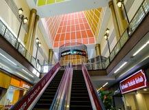 商城内部在新加坡 免版税库存照片