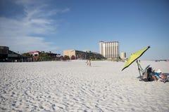 商店、餐馆、酒吧和旅馆沿彭萨科拉靠岸,佛罗里达 库存图片