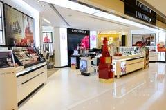 商店内部在新城市广场 免版税图库摄影