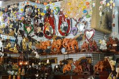 商店在浮动市场上在芭达亚泰国 免版税图库摄影