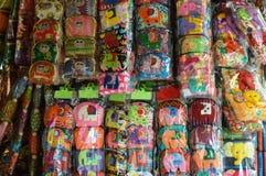 商店在浮动市场上在芭达亚泰国 库存照片