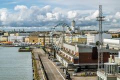 商店地区和码头在赫尔辛基港  芬兰 免版税图库摄影