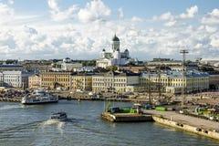 商店地区和码头在赫尔辛基港  芬兰 库存照片