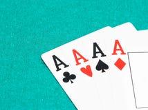 啤牌优胜突破卡片,扑克牌游戏的概念 免版税库存图片