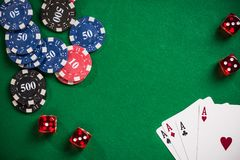 啤牌和赌博娱乐场比赛概念 图库摄影