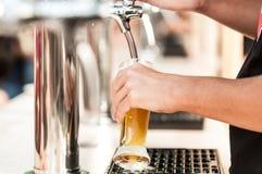啤酒分配器 免版税库存照片