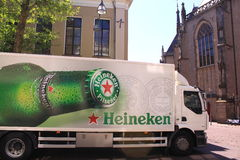 啤酒发运海涅肯卡车 免版税库存图片