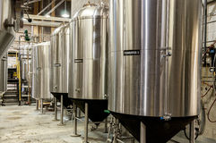 啤酒发酵桶坦克 免版税库存图片