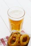 啤酒和快餐 库存照片