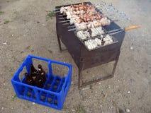 啤酒和肉 免版税库存图片