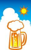 啤酒和蓝天 库存照片