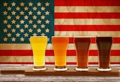 啤酒品尝 免版税库存图片