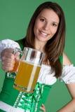 啤酒妇女 免版税库存照片
