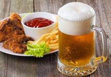 啤酒寒冷杯子 免版税图库摄影