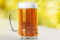 啤酒杯查出的白色 库存照片