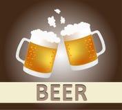 啤酒杯欢呼 免版税库存图片