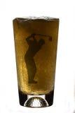 啤酒杯高尔夫球运动员 免版税库存照片