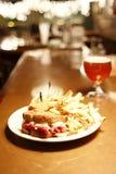 啤酒比利时人reuben三明治 库存图片