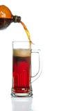 啤酒流缺少杯子 免版税库存照片