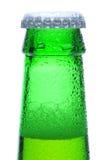 啤酒瓶绿色宏观脖子射击 库存图片