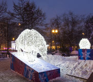 啤酒电雕塑,圣诞节 免版税库存图片
