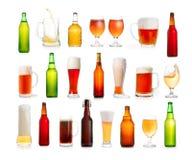 啤酒的不同的类型在白色和瓶的隔绝的玻璃 库存照片