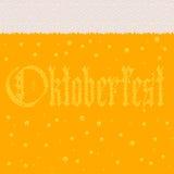 啤酒的风格化图象与泡沫和标志Octoberfest的 免版税库存照片
