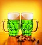 啤酒绿色爱尔兰语 免版税库存照片