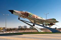 啤酒舍瓦,以色列2010年1月15日:对以色列飞行员的纪念碑 库存照片
