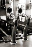 啤酒轻拍 免版税库存图片