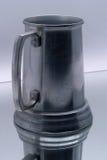 啤酒镜子杯子 免版税图库摄影