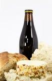 啤酒面包中断干酪 免版税库存照片