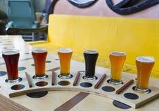 啤酒飞行 库存图片
