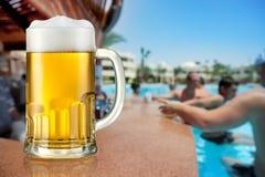 啤酒轻的杯子 库存照片