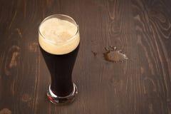 黑啤酒 免版税库存图片