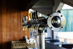啤酒homebrewing的草稿饮料的管子螺丝攻 库存图片