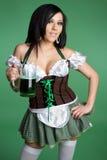 啤酒patricks st妇女 库存照片