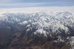 喀喇昆仑山脉俯视图在Ladakh,印度 库存图片