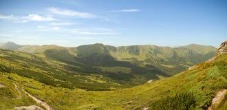 喀尔巴阡山脉的山全景 库存照片