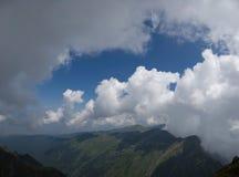 喀尔巴阡山脉的山山全景 库存图片
