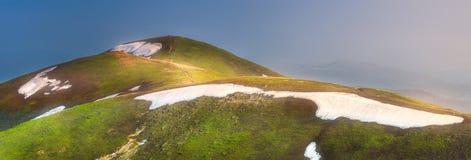 喀尔巴阡山脉的Gorgany,乌克兰山风景  免版税图库摄影