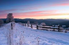 喀尔巴阡山脉的山日出 库存照片