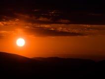 喀尔巴阡山脉的山日落 免版税库存图片