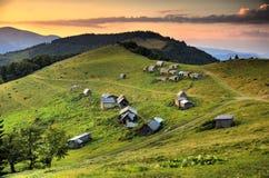 喀尔巴阡山脉的横穿intermountain横向山区域transcarpathian乌克兰视图 免版税库存照片