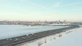 喀山俄国 16-03-2019:在喀山的中心的一个看法 克里姆林宫和库尔谢里夫视域 时数横向季节冬天 股票视频