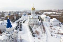 喀山,俄罗斯, 2017年2月9日, Zilant修道院-最旧的正统大厦-典型的俄国风景,广角 免版税库存图片