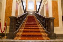 喀山,俄罗斯- 2017年1月16日,香港大会堂-豪华和美好的旅游地方-在入口的楼梯间 免版税库存照片